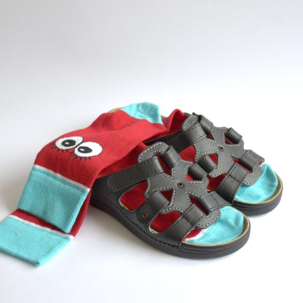 omaking-sandaalid-m550-must-v2