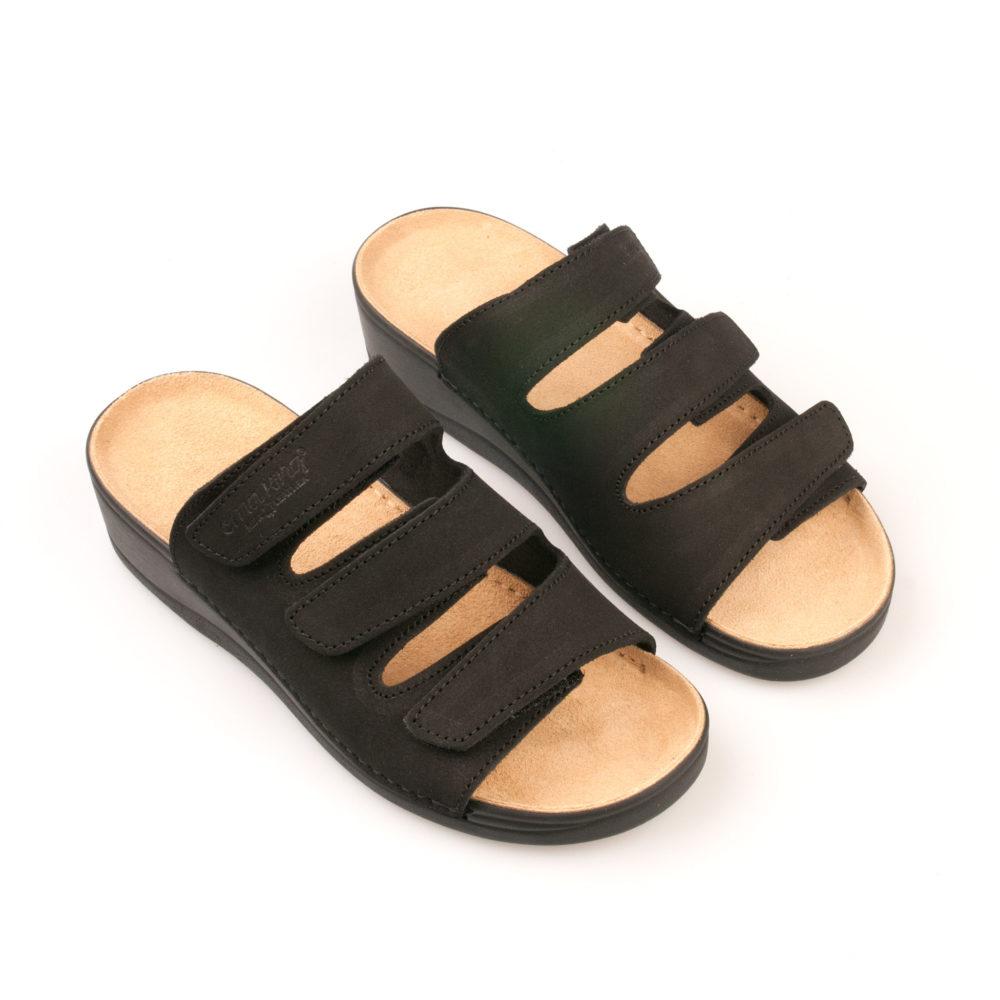 OmaKing takjakinnistega nahast sandaalid Laisi must